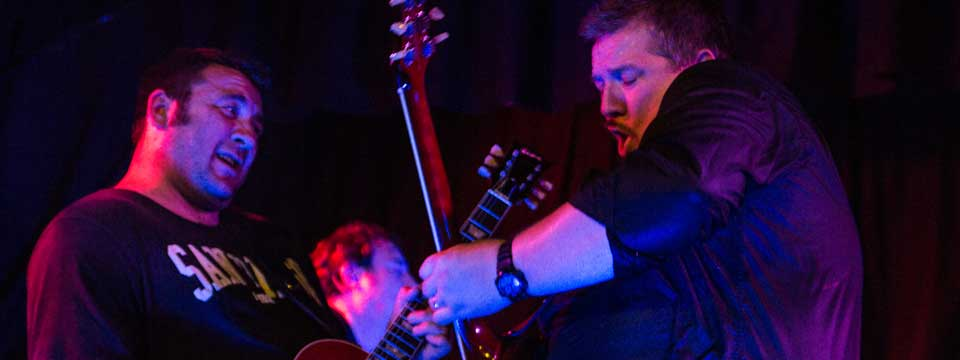 The Nimmo Brothers dueling guitars Live at the Kirkgate